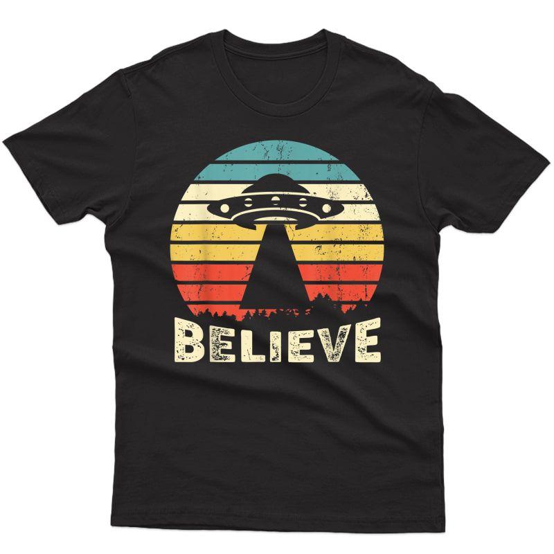 Vintage Alien Ufo Hunter Gift - I Want To Believe T-shirt